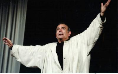 """SOSPESO  – Edipo… seh! al Piccolo Teatro della Città, Andrea Tidona è il protagonista dello """"scherzo intelligente"""" diretto da Carla Cassola"""